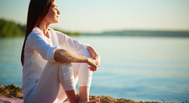 Świadoma uważność – sposób na łagodzenie bólu i stresu
